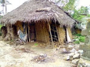 Das Haus von Frau Buheti nach dem Unwetter